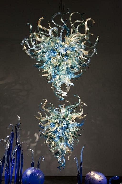 Dale Chihuly, Lapis and Gold Tiered Chandelier 10.405.ch1 2010, Glass